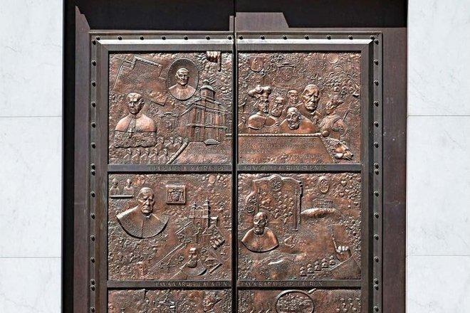 Telšiai St. Embossed doors of Antanas Paduvietis Cathedral
